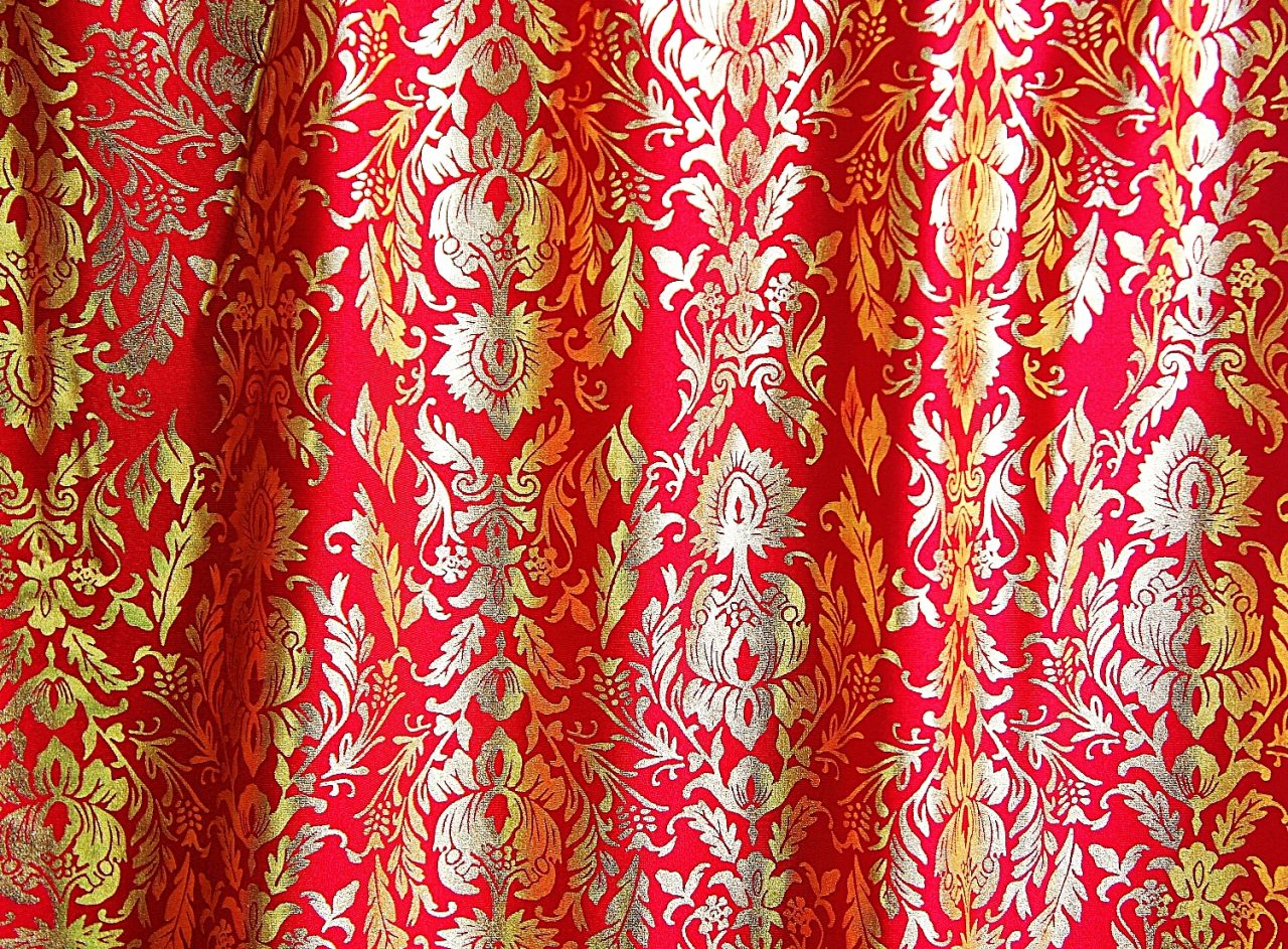 Baroque – Red